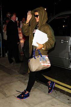 Rihanna Rihanna Arrives At Her London Hotel Rihanna. RiRi #Rihanna, #Riri, #pinsland, https://apps.facebook.com/yangutu