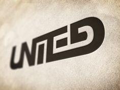 logo / united / linking up type