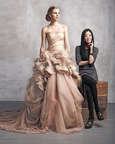 Vera Wang Hayley This Vera Wang wedding gown from her iconic collection is the perfect modern adaptation of the gold wedding dress trend of the Bustle Period. Vera Wang Gowns, Vera Wang Dress, Bridal Gowns, Wedding Gowns, Vera Wang Wedding, Vera Wang Bridal, Blush Gown, Designer Wedding Dresses, Beautiful Gowns