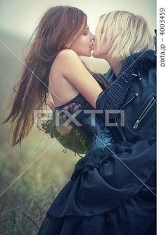 キス 人物 接吻の写真素材 4003459 - PIXTA - http://pixta.jp/photo/4003459