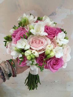 Wedding Flower Bouquets A pretty spring bridal bouquet Prom Bouquet, Bride Bouquets, Flower Bouquet Wedding, Flower Bouquets, Beach Wedding Flowers, Bridal Flowers, Wedding Colors, Deco Floral, Beautiful Flowers