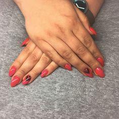 #summernails #pinkandred #nails #pinknails #semilac
