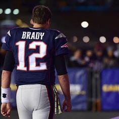 Sports: Tom Brady Hilariously Mocks Deflategate in New Commercial