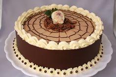 Mais bolinhos entregues e todos com este ingrediente que agrada a todos: CHOCOLATE!!! Este acima foi feito para o aniversário do primo do L...