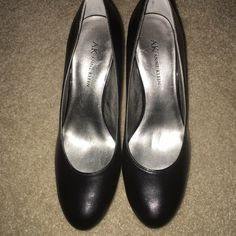24 hour Sale! Anne Kein Pumps Really comfortable shoes. Black. Barely worn. I would love to bundle other items and create a new listing for 10% discount for you! Anne Klein Shoes Heels