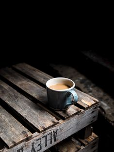 Top Tips For Brewing The Best Coffee - Great Coffee I Love Coffee, Coffee Break, My Coffee, Coffee Mugs, Coffee Tumbler, Coffee Tasting, Coffee Cafe, Coffee Shops, Café Espresso