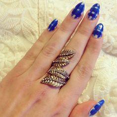 Blue and white checks nails