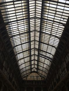 The ceiling - by TravEllenineurope.com