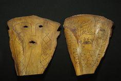 Attualmente nelle aste di #Catawiki: 2 protective masks made from cow scapula bone - ATONI - West Timor - Indonesi...