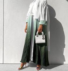 Modern Hijab Fashion, Modesty Fashion, Hijab Fashion Inspiration, Abaya Fashion, Muslim Fashion, Fashion Outfits, Mode Abaya, Mode Hijab, Long Skirt Fashion