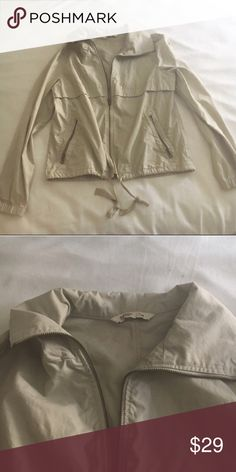 OLD NAVY khaki utility jacket Perfect condition! Size medium. Can fit a small as well Old Navy Jackets & Coats Utility Jackets