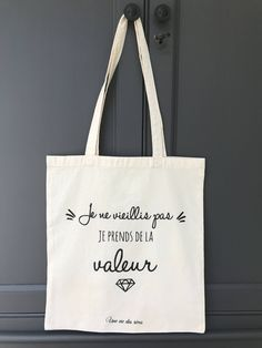 Le chouchou de ma boutique https://www.etsy.com/fr/listing/537251920/tote-bag-collection-bling-bling