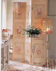 Love the room divider ...
