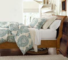 Lucianna Medallion Duvet Cover & Sham - Blue | Pottery Barn -- beautiful colors!