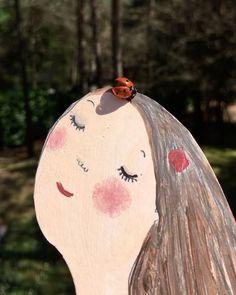 "448 Me gusta, 14 comentarios - Eva Armisén 에바 알머슨 전 (@evaarmisen) en Instagram: ""Spring in my studio. This ladybug came to visit me while I was working a bird made the soundtrack.…"""