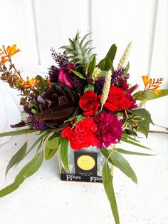 Flower Potts Vase Arrangement flowerpotts.co.nz Florist Hawera Red