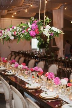 For those of you who've cringed at the thought of rain on your wedding day (_believe me, I have!_), I urge you to take a peek at this ever-so-sweetWalnut Hill Farms soiree fromNo Regrets Events ...