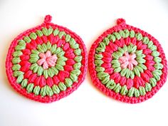 Vintage Set of Crocheted Pink & Green Thick Hotpads by TimelessTreasuresbyM on Etsy
