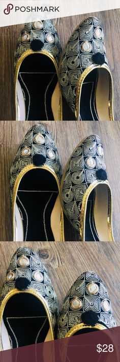 New 2018 ! Mirror Squares Jutti New collection 2018 ! Versatile yet subtle styled jutti. Silver color thread work with black Pom Pom and Mirror work . Complete thread work ! Fine embroidery on the sole to make that statement when you take these off ! Rubber sole. Shoes Flats & Loafers