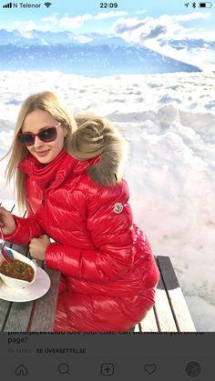 Women's Puffer Coats, Down Puffer Coat, Cool Jackets, Jackets For Women, Down Suit, Winter Suit, Puffy Jacket, Winter Coats Women, Jacket Style