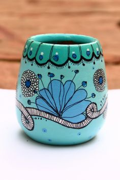 . Painted Flower Pots, Painted Pots, Pottery Painting, Ceramic Painting, African American Artwork, Cement Art, Talavera Pottery, Posca, Gourd Art