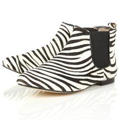 Tendance mode : je veux des boots pour une rentrée stylée - Boots imprimé zèbre Top Shop Prix : 41,30?
