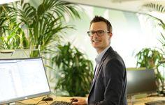 Flexible Arbeitsplätze sind immer häufiger anzutreffen. Wir bei der Baloise haben zwei Grossraumbüros damit ausgestattet. Im Interview erzählt Pascal Hirzel, wie ihm der Arbeitsalltag im Flex Office gefällt und weshalb sich diese Bürogestaltung besonders gut für Projektarbeit eignet. http://baloisejobs.com/?p=11088 #FlexOffice #Baloise #flexibleArbeitsplätze #Projektarbeit