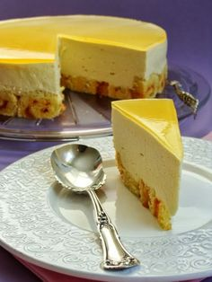 Chocolate dust: Mango mousse cake