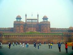Things to do in Delhi. Red Fort is a popular attraction in Delhi. Read the experience of a solo female traveller making her way to the fort & exploring. Stuff To Do, Things To Do, Delhi Ncr, Taj Mahal, India, Explore, Places, Travel, Things To Make
