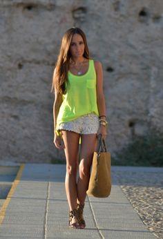 H  T Shirts, Zara  Pantalones cortos and Zara  Bolsos