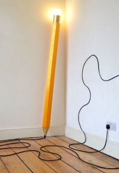 DESIGN: The Giant Pencil Lamp. London design studio Michael & George add a bit of whimsy to the average floor lamp with their creation called the HB Lamp. Cool Furniture, Furniture Design, Plywood Furniture, Chair Design, Modern Furniture, Futuristic Furniture, Furniture Online, Giant Pencil, Blitz Design
