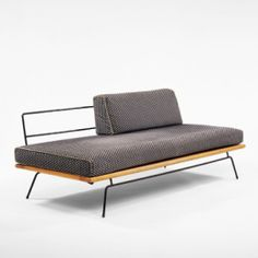 325: Clifford Pascoe / daybed < 20th Century Art + Design Auction, 28 October 2001 < Auctions | Wright