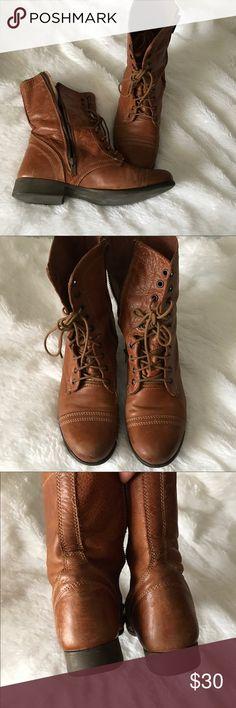 "Steve Madden ""Troopa"" boots GUC, size 10, super comfortable TTS. 👛Bundle for discount Steve Madden Shoes Combat & Moto Boots"