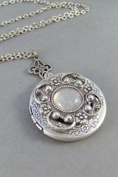 Vintage Moonstone,Locket,Antique Locket,Silver Locket,Moonstone,Goddess,Moonstone Necklace,Moonstone Locket,Moonstone Cab.Valleygirldesigns....