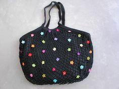 Accessoire_Sac_filet_noir_petites_fleurs_crochet
