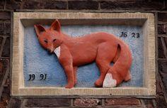 Gevelsteen vos Gekozen omdat bij een film genaamd Naruto een vos zijn ziel in een klein jongentje is gezet.