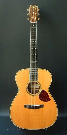 Kaoru Guitar Avalone OM (2003) : Very rare 45 style. European Spruce top, Brazilian Rosewood back & sides.