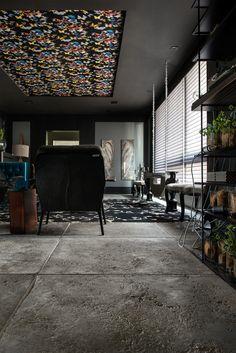 Etrusco chumbo - Casa Cor Rio Grande do Sul 2014 - Arquiteto Rogério Pandolfo. Foto: Claudio Fonseca. Ambiente: Living, parceria com a revenda Ladrilhart.  #CasaCorRS #Castelatto