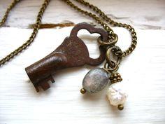 Hey, I found this really awesome Etsy listing at https://www.etsy.com/listing/88547981/skeleton-key-necklace-labradorite-stone