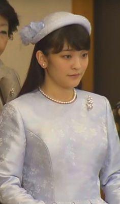 Princess Mako, January 15, 2016 | Royal Hats天皇、皇后両陛下、皇族方が出席されて行われた「歌会始の儀」=14日午前、皇居・宮殿「松の間」(代表撮影)