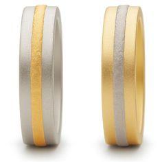 Der Juwelier für den exklusiven Anspruch. Finden Sie Trauringe, Schmuck, Uhren, Colliers, Ketten und Ohrschmuck aus Gold, Silber, Stahl oder mit Diamanten.