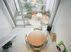 Een opvallend modern huis in een karakteristiek straatje - Roomed