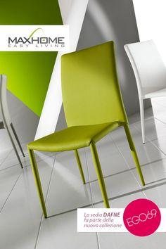 Con stile e personalità precisi, DAFNE è ideale non soltanto in casa, ma in ogni contesto arredativo dal gusto giovane ed attuale. Disponibile nei colori bianco, verde e grigio chiaro.