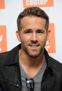 Ryan Reynolds Opens Up About His Father's Death: 'In His Dying Moments, We Made Him Laugh'