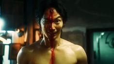 Takashi Shimizu, bekend van de Japanse Ju-On (The Grudge) films, heeft de surrealistische, psychologische horrormanga ... Lees meer The Grudge, Homunculus, Trippy, Netflix, Films, Van, Film Director, Movies, Cinema
