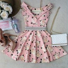 Vestido  NEOPRENE C/ Bojo  Princesa Lara ( Estampa Rosas Candy)