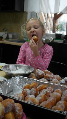 donuts that my mother has been doing for years, are soft, melt in the mouth, s . Sweet Recipes, Keto Recipes, Cake Recipes, Dessert Recipes, Cooking Recipes, Polish Desserts, Polish Recipes, Sweet Bakery, Sprout Recipes