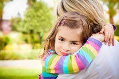 Was ist das Wertvollste, was man für seine Kinder tun kann?   Lies Sri Sri`s Antwort: http://www.artofliving.org/de-de/wisdom-q-a-qa13