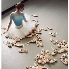 Great photo idea for ballet dancers...