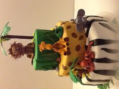 Jungle cake giraffe